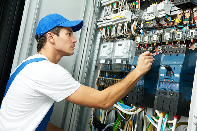 Domestic Electrician in Luton Bedfordshire