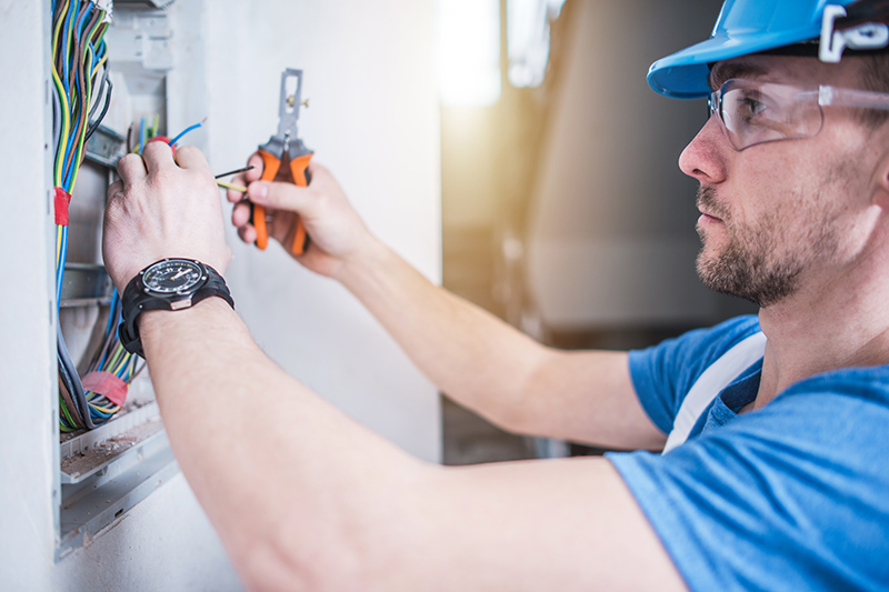 Electrician Qualifications in Luton Bedfordshire