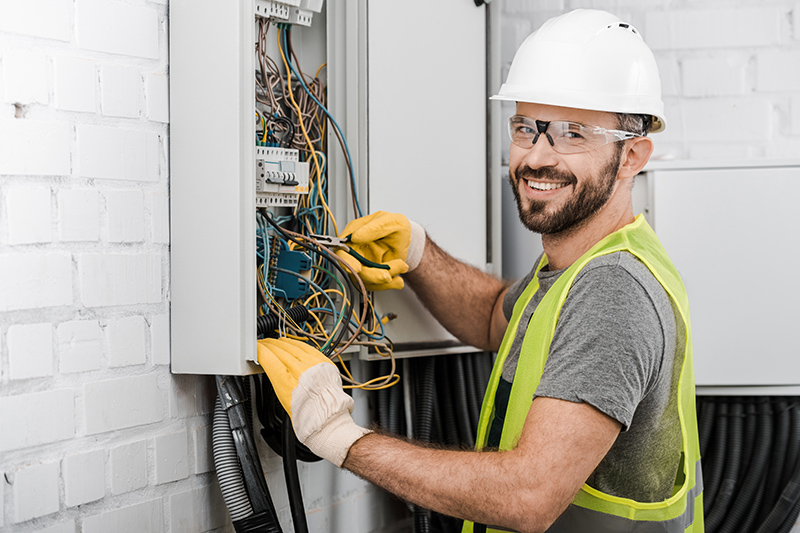 Local Electricians Near Me in Luton Bedfordshire