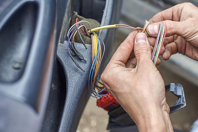 Mobile Auto Electrician Near Me in Luton Bedfordshire